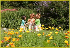 Blumenkinder ... (Kindergartenkinder) Tags: grugapark essen gruga kindergartenkinder annette himstedt dolls bellis jinka setina