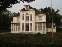 Berkeloord (QQ Vespa) Tags: berkel berkelland zutphen villa haus schloss verlassen lostpaces lost berkelroute castle