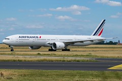 Air France / F-GZNK / Boeing 777-300 / LFPG-CDG taxiing / © (RVA Aviation Photography (Robin Van Acker)) Tags: planes trafic airlines avgeek airliner outdoor airplane aircraft vehicle jetliner jet jumbo air photography aviation aviationphotography charlesdegaulle paris