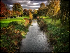 Autumn by the river (andystones64) Tags: httpswwwflickrcomgroupsunltd river eau scotter water waterway bushes foilage nasa clouds daylight england image imagecapture imageof sky lincolnshire nlincs northlincs outdoors sunlight trees view scenic