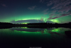 Auroras (laurilehtophotography) Tags: suomi finland jyväskylä kivilampi revontulet luonto maisema yö syksy autumn fall nature landscape auroras auroraborealis northernlights view night stars starrysky sky clouds water reflections pond nikon d610 samyang 14mm amazing europe world lights