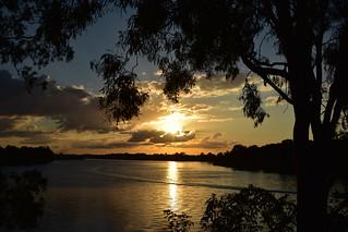 River sun