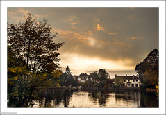 Another Sky 290/365 (John Penberthy LRPS) Tags: 17oct17 365the2017edition 3652017 d90 day290365 johnpenberthy kingstonuponthames nikon thames clouds river sky