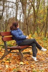 Осень.... (Kobza2) Tags: скамейка осень опавшая желтая цветная листва парк голые деревья