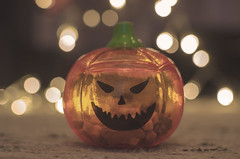 Happy Halloween (crisgarr) Tags: halloween pumpkin calabaza dof orange stilllife