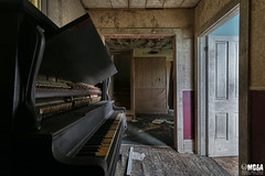 Without music, life would be a mistake (Abandoned Rurex World.) Tags: maison abandonnée abandon hdr 2017 urban urbex rurex mga explored abandoned house lost place old vintage decay derelict ue exploration urbaine canon 1022mm 70d forgotten home memento mori