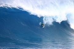Mark Healy closeout pigdog (Aaron Lynton) Tags: peahichallenge peahi jaws lyntonproductions canon 7d sigma hawaii maui xxl bigwave big wave wsl surf surfer surfing