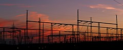 Alto voltaje (portalealba) Tags: zaragoza aragon españa spain sunset sol atardecer portalealba canon eos1300d cielo nubes nwn 1001nights 1001nightsmagiccity
