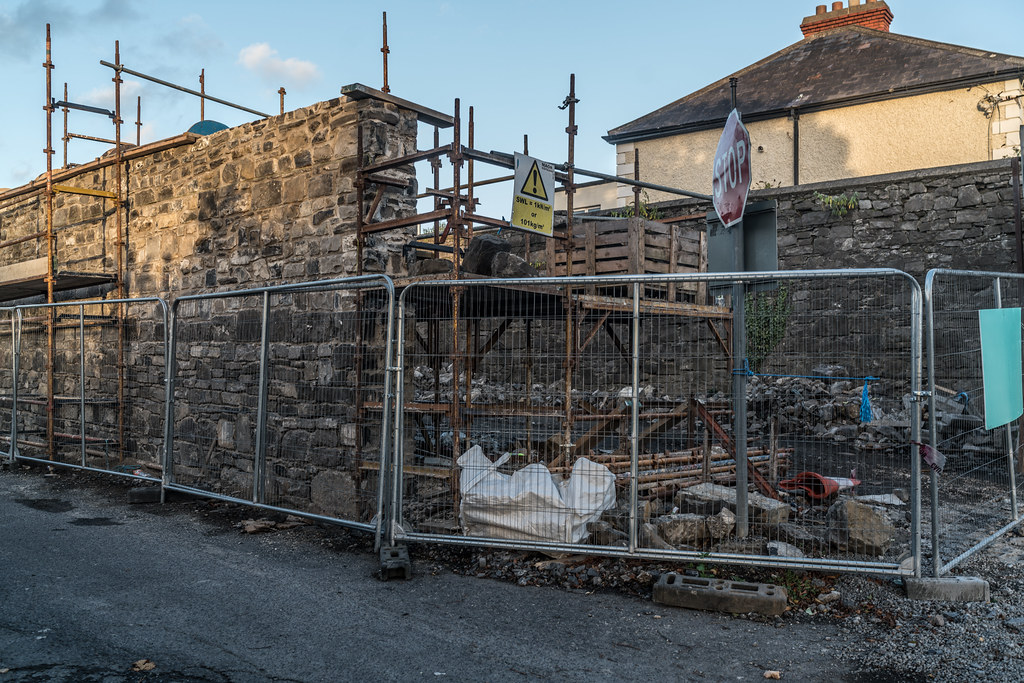 TODAY I TRIED TO LOCATE THE NEW GRANGEGORMAN TRAM STOP [I COULD NOT FIND THE ACTUAL ENTRANCE]-133072