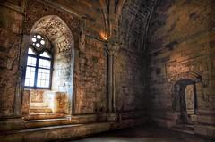 Inside the castle (Aránzazu Vel) Tags: casteldelmonte castle castillo castello schloss puglia apulia italia medieval medioevo architecture architettura arquitectura