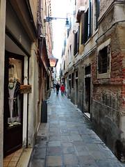 Calle Lunga San Barnaba, Venice