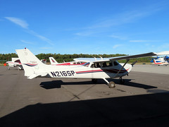 Cessna (MasterGeorge) Tags: cessna 172s n216sp