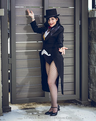 SP_66702-4 (Patcave) Tags: friday dragon con dragoncon 2017 dragoncon2017 cosplay cosplayer cosplayers costume costumers costumes shot comics comic book scifi fantasy movie film zatanna dc magic magician magical tophat tails tux fishnets
