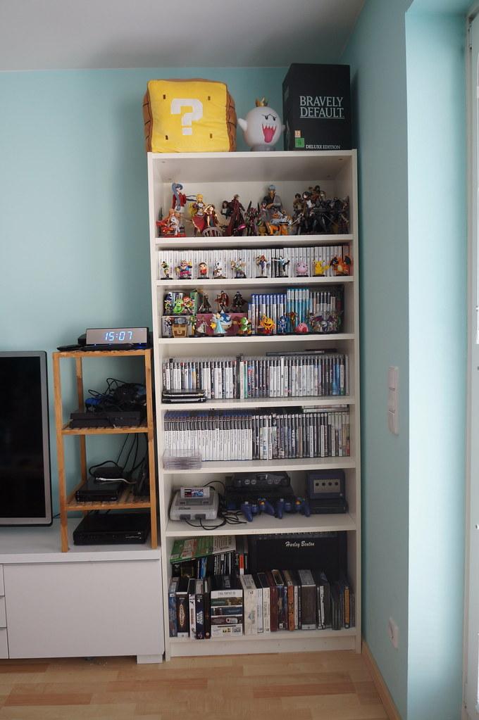 Uberlegen DSC05708 (Kirayuzu) Tags: Wohnzimmer Sammlung Regal Shelf Videospiele  Videogames Games
