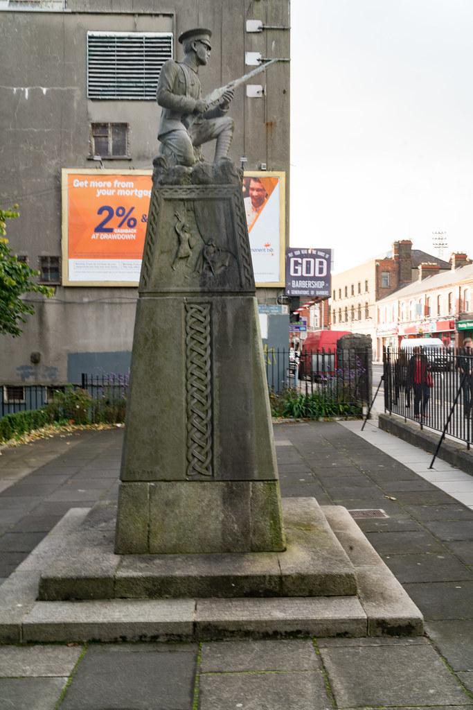 THE IRISH VOLUNTEER MONUMENT IN PHIBSBORO [PHOTOGRAPHED 2 OCTOBER 2017]-133012