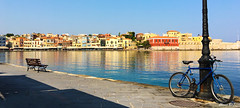 Chania 2017 (Arne.Holt) Tags: city harbour chania waterfront bench cycle red ocean