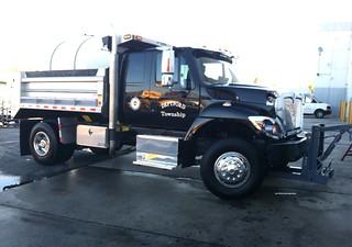 Deptford Township, NJ 2017 International Workstar 7400 SFA 4x2 extended cab dump-plow_2