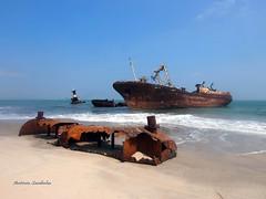Restos navais (António Sardinha) Tags: angola cacuaco luanda barco mar areia navio água oceano costa
