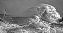 Storm Ophelia (oddie25) Tags: canon 1dx 100400mmmk11 storm storms ophelia stormophelia porthcawl lighthouse wales landscapes landscape sea waves wave bigwave surf