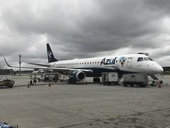 AD E195 GRU (Luis Fernando Linares) Tags: sbgr guarulhos gru winglets jet ramp planespotting e195 ejet embraer azul azu ad airport aircraft airplane airlines avgeek aviation