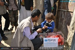 Monareliefye.org delivering aid for the third time to IDPs and vulnerable families in Wadi Ahmed Area in Sana'a (Mona Relief Yemen) Tags: yemen sanaa wadi ahmed blankets dignity kits idps vulnerable families saada taiz hajjeh monarelief iomyemen