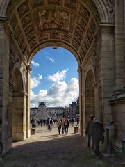 Louvre (smir_art) Tags: louvre museedulouvre paris streetphotography streetlive