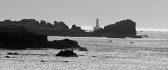 Le phare du Four, au large de la presqu'île de Saint-Laurent (Bretagne, Finistère, France) (bobroy20) Tags: phare pharedufour côte rocher côterocheuse finistère bretagne mer merdiroise presquîledesaintlaurent littoral tourisme france argenton argentonenlandunvez landunvez