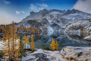 Leprechaun Lake Fall Colors with Light Snowfall