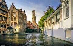 Sur le Canal à Bruges - HSS (YᗩSᗰIᘉᗴ HᗴᘉS +9 500 000 thx❀) Tags: bruges sliderssunday flandres belgique sunday hss water waterscape architecture eau canal travel voyage hensyasmine town city canon