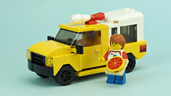 Pizza delivery truck (de-marco) Tags: lego town city food pizza car truck 5stud