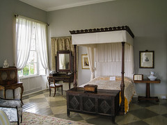 Ireland - Bantry - Bantry House (Marcial Bernabeu) Tags: marcial bernabeu bernabéu irlanda ireland bantry house bedroom bed mansion cama dormitorio old antique furniture