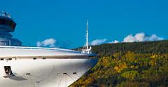 Le Crown Princess au Saguenay (BLEUnord) Tags: paquebot bateau croisière cruise ship automne autumn fall arbres trees saguenay labaie baie géant géantdesmers crown princess fjord