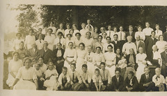 1915 - Huff family reunion - left