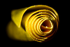 ...rolled up post-it... (Altazur) Tags: macromondays spiral
