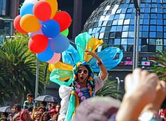 Día de Muertos México (13emilio) Tags: díademuertos dayofthedead méxico mexico canoneos100d canonef24105mmf3556 méxicomágico mexicocity catrina globos balloons esqueleto allsaints'dayandallsouls'day