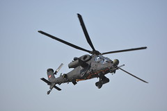 attack helicopter (Kirlikedi) Tags: turk turkey türkiye black weapon fly arm war