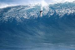Lucas Chianca (Aaron Lynton) Tags: peahichallenge peahi jaws lyntonproductions canon 7d sigma hawaii maui xxl bigwave big wave wsl surf surfer surfing