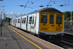 Thameslink 319432 (Will Swain) Tags: station 27th july 2017 cricklewood greater london capital city south east train trains rail railway railways transport travel uk britain vehicle vehicles country england english class 319 thameslink 319432 432