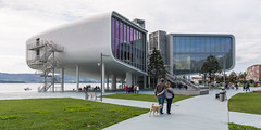 Santander - Centro Botín (Juan Ig. Llana) Tags: santander cantabria españa es centrobotín arquitectura edificio parque gente cultura