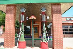 Texas, Fort Worth (EC Leatherberry) Tags: texas fortworthtexas formergasstation gaspumps gaspump sinclairgasoline sinclair tarrantcounty