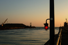 Harbour Light: Gorleston Norfolk (Mike Cook 67) Tags: england eastanglia light red panasonic25mmf17lens panasonicgx7 road quay eastcoast northsea norfolk gorleston soloimaginaciongroup thebestofworldpicturesgroup solo elements gorlestonnorfolk harbourwarninglight dawn morning goldenhour