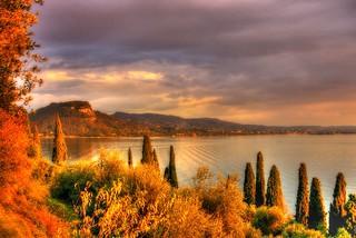 * Lago di Garda/Panoramica con la Rocca visto da Punta San Vigilio *  (In Explore) *