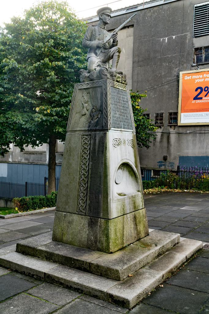 THE IRISH VOLUNTEER MONUMENT IN PHIBSBORO [PHOTOGRAPHED 2 OCTOBER 2017]-133011