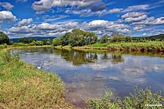 Landschaft (garzer06) Tags: wolken blau weser weis grün landschaft naturephoto landschaftsfoto naturfoto landscapephoto landschaftsbild landscapephotography spiegelung bursfelde niedersachsen deutschland landschaftsfotografie