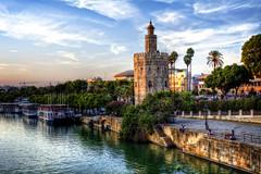 Torre del Oro - Sevilla (mgarciac1965) Tags: sevilla seville torredeloro andalucía andalucia españa spain guadalquivir rio nubes atardecer