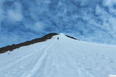 """""""She makes me certain that I can fly"""" - Jotunheimen Mountains - Norway (TLMELO) Tags: montanha mountain mountaineer mount noruega norway norwegian keepwalking justdoit walking neve snow impossibleisnothing girl woman"""