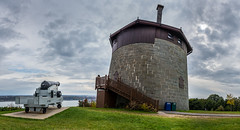 Tour Martello 1 (Patrick Boily) Tags: tour martello canon plaines abraham québec tower plains