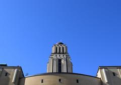 Le bleu à l'honneur (cjuliecmoi) Tags: universitédemontréal rogergaudry bleu blue bluesky cielbleu