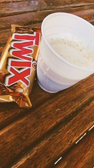 Pausa pranzo #pausa #work #twix #chocolate #cioccolata #caffe #coffe #university #universita #lovemypassion #lucca (agnesedobrilla) Tags: pausa work twix chocolate cioccolata caffe coffe university universita lovemypassion lucca