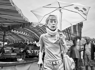 Mannheim Street Frau 48 b&w